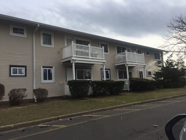 Central Islip 1 bedroom suite includes king bed