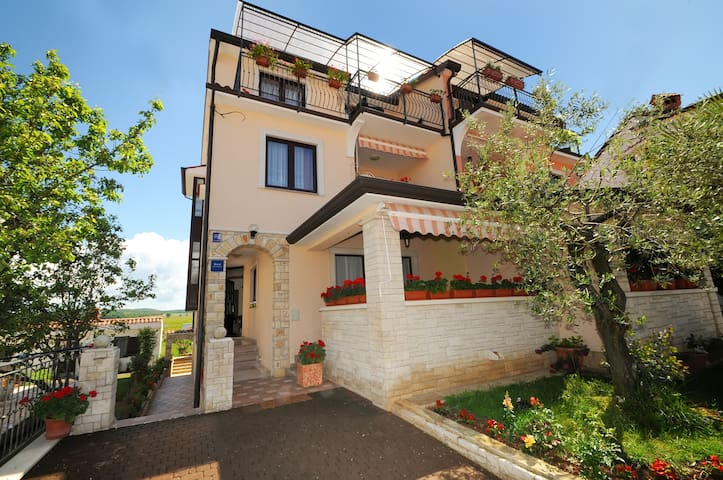 Apartmani Šahić - Funtana - Casa