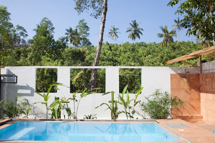 Banana Leaf Apartments - garden level for 4 + Pool