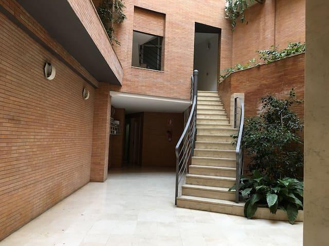 Acogedor y céntrico apartamento/ Cozy and central - Sevilla - Apartment