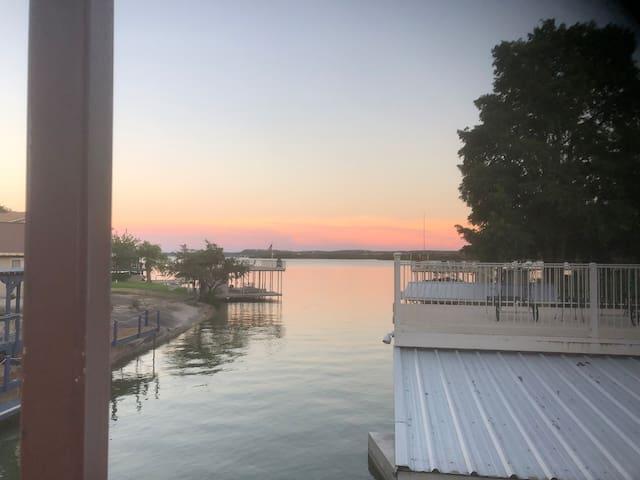 Charming remodeled  Lake LBJ waterfront home