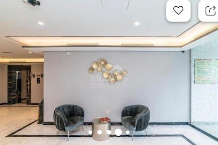 Elegant Clean Spacious fully furnished