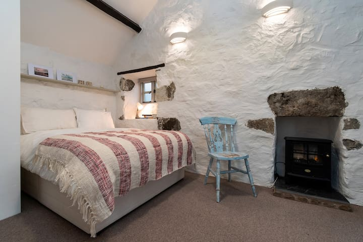 Double bedroom with electric fire