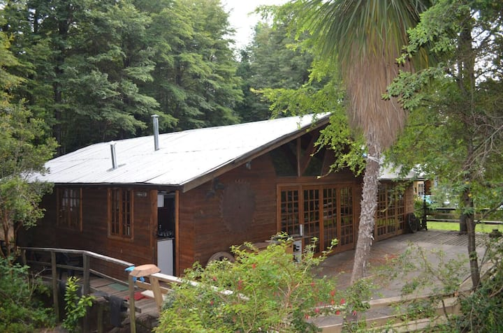 Cabaña Indómita, camino al volcán Km 2,5