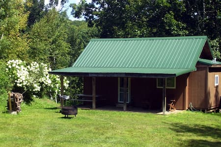 Starlit Cabin in Driftless Region