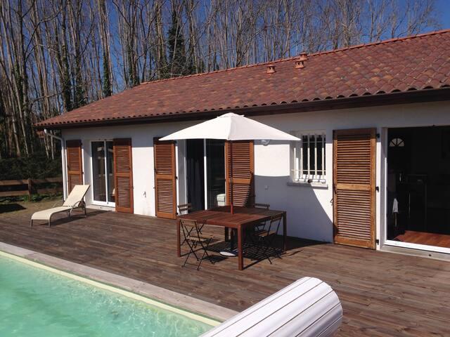 Belle villa avec piscine proche lac et océan