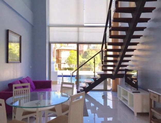 Private Loft Boathouse 2Br.Pool acc next to sea