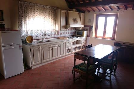 Stanza privata in Villa - Narni