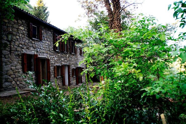 Casolare in sasso sui colli tosco-romagnoli - Brisighella