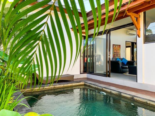 Residence 888 Ubud, Villa 1 ~ 2 Bedrooms w/ Pool !