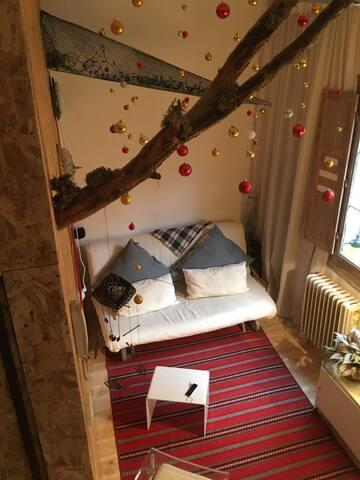 Curioso apartamento compartido. Cerca Madrid Río.