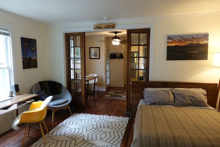 Perfect studio off downtown Boulder
