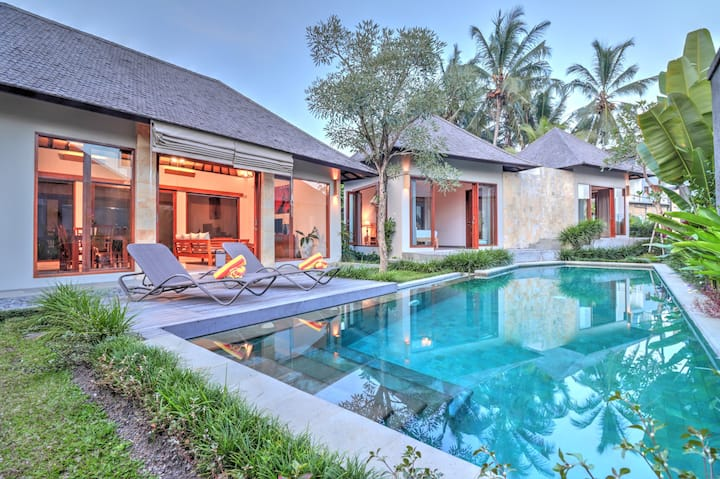 """75% OFF""  private 2BR villa 5 Mins to ubud center"