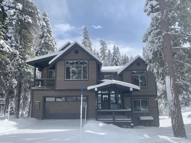 "Spectacular New House Near Lake Tahoe ""Rivendell"""