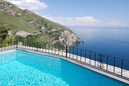 Lovely villa/pool/amazing sea view - ポジターノ - 別荘