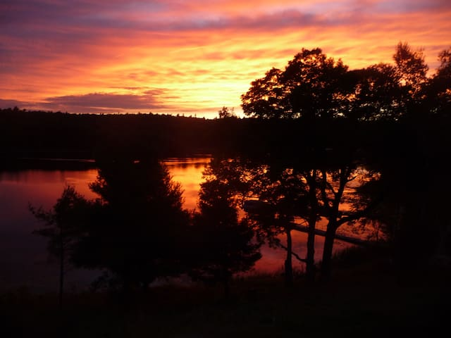 Spectacular Sunsets, Swimming, Fishing and More!