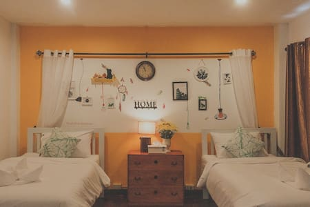 Chill Vibe Hostel : Standard Twin Rooms