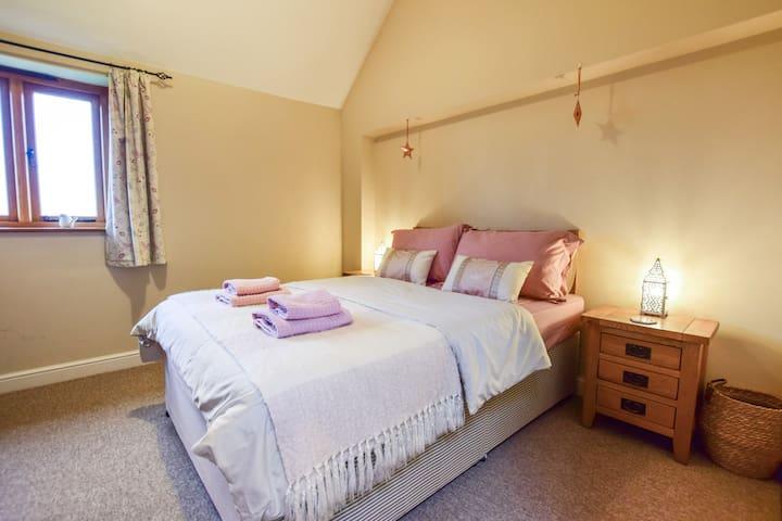 Bedroom 1 - double bedroom