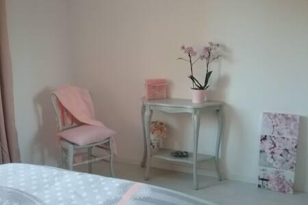 Jolie chambre refaite à neuf au calme