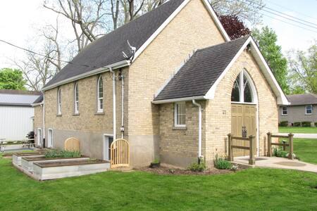 Church in Culloden - Music Room