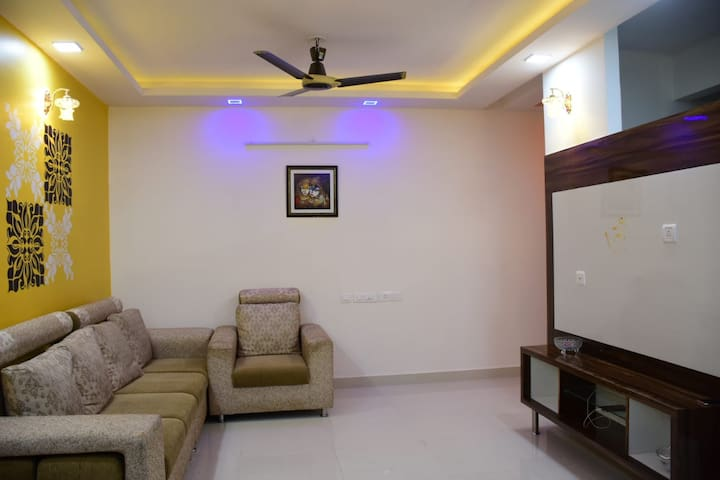 Beautifully furnished 2 bedroom home