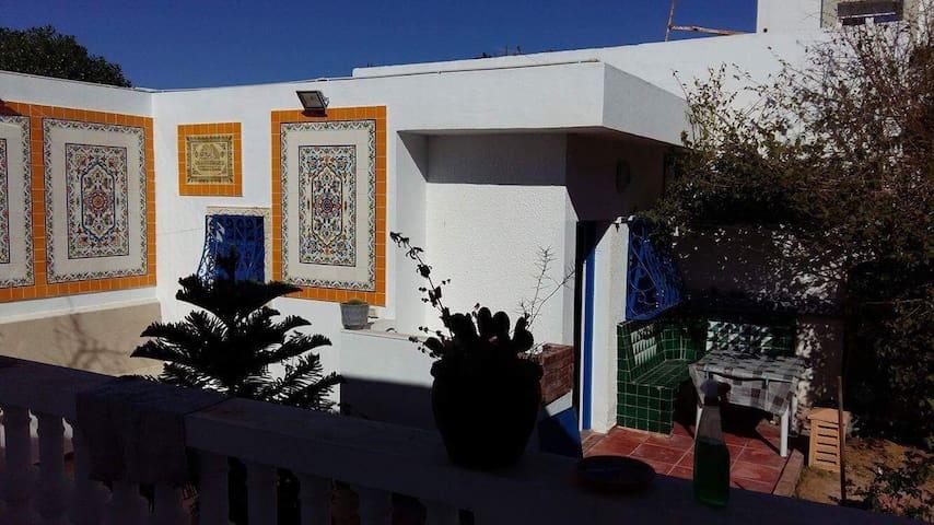 Beau studio cosy à Skanes Monastir - Monastir - Hus