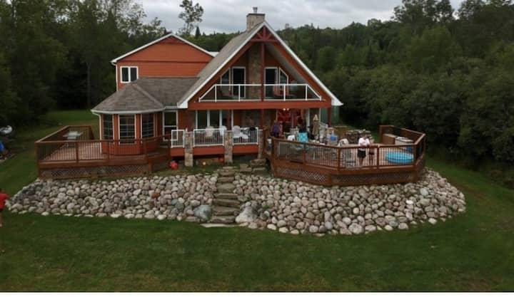 Luxury Waterfront Lake House on Lake Nosbonsing
