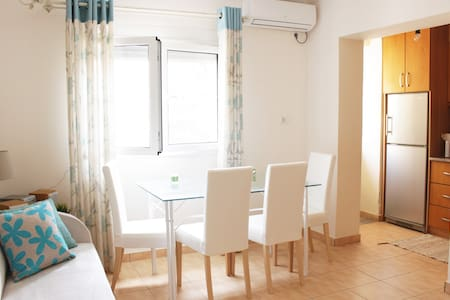Sunny central apartment, 2 min from the beach