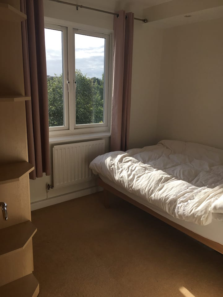 Cardiff Bay double bedroom