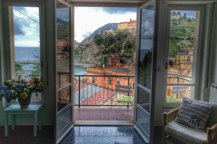 Front beach villa Monterosso centre - Monterosso Al Mare - Apartamento