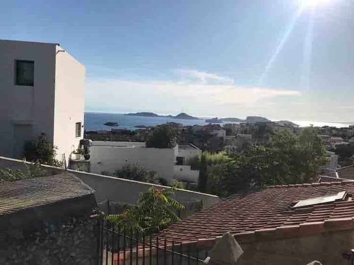 Ancienne maison de pêcheur, vue mer et terrasse
