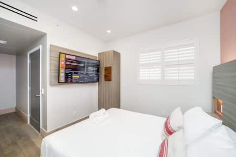 At Mine | Petite Suite with Free Parking
