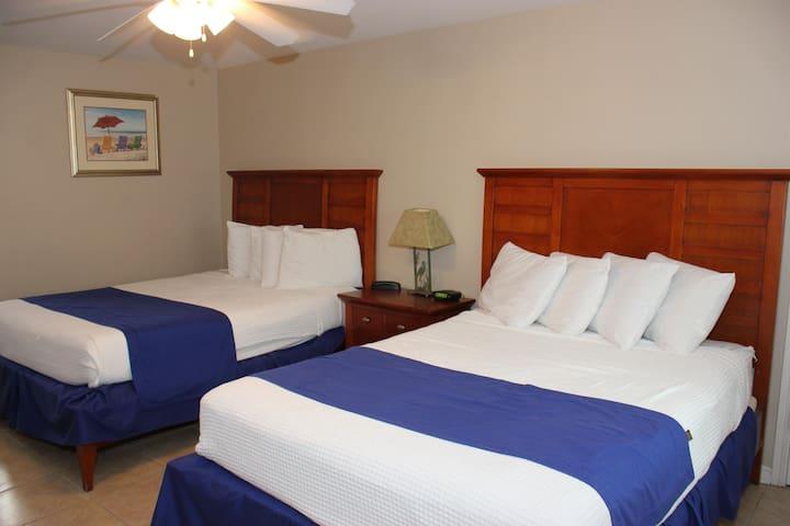 Beachgate Condo Suites and Hotel 422 - Port Aransas - Inny