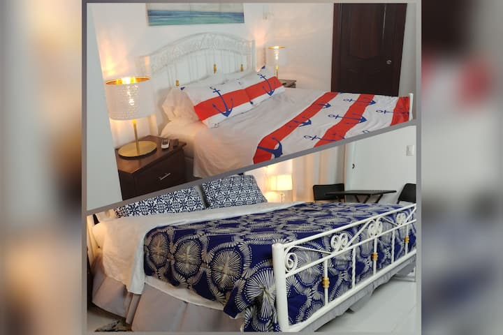 2 Suites, king beds, kitchen, living+ (DS1 & DS2)