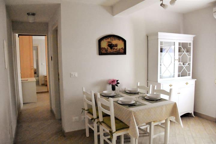 Cesira apartment-private parking-Mazzini