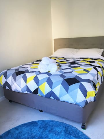 Private Room - Clean & Convenient - Kogarah