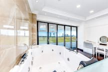 Deluxe Suite with SPA Jacuzzi