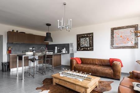 appartement lumineux - Ansouis