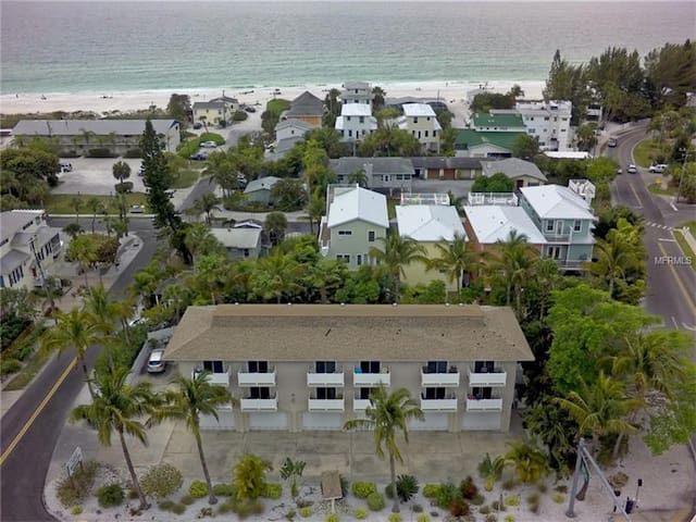 Condo by the beach on Anna Maria Island - Holmes Beach - Wohnung