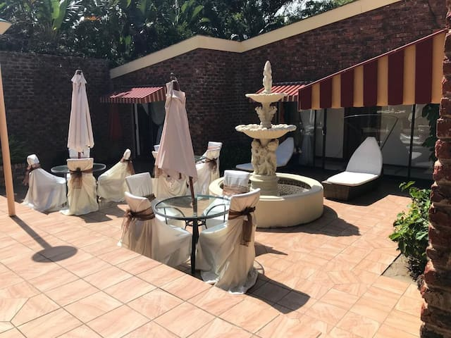 Alizwa guest house is a holiday home