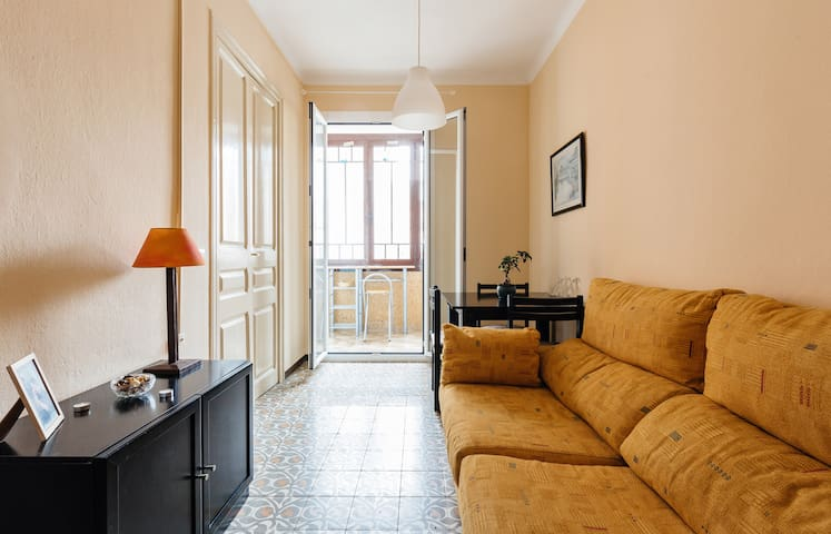COZY DOUBLE ROOM IN LOVELY AREA IN CENTRE BCN - Barcelona - Bed & Breakfast