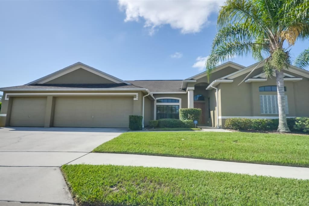 Sweet Home Vacation Disney Rentals Vacation Homes Florida Orlando Legacy Park - The Estate