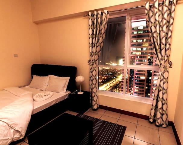 Superior Master Room in Marina For Ladies