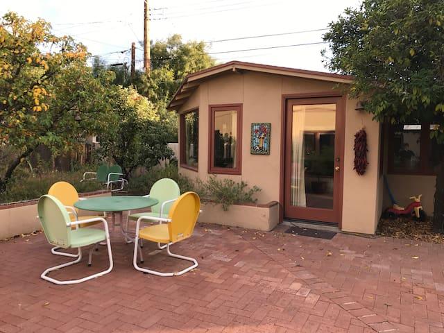 U of A Area Garden Guest House