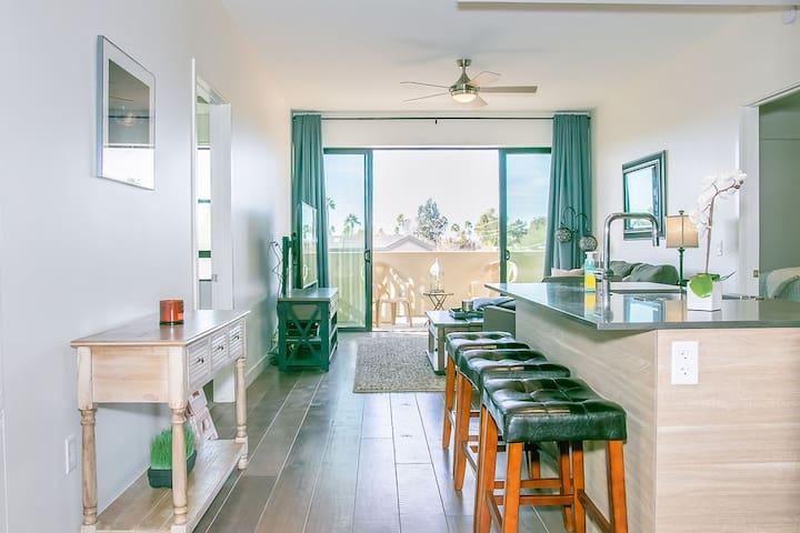 Luxury Mid-rise Biltmore Condo / Amazing Amenities
