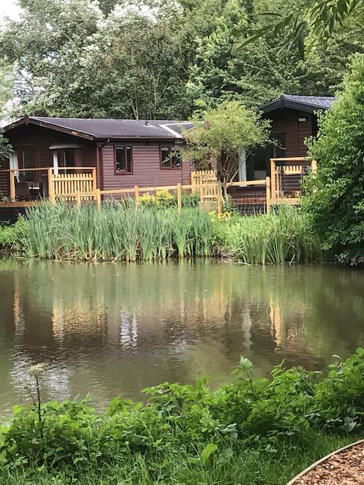 Lodges on the lake near Longleat at Fairwood Lakes Holiday Park