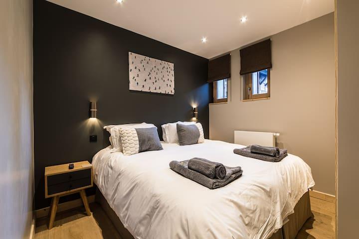 Bedroom 1 set as Double