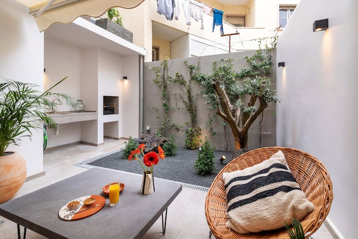 Apartment with Private Terrace in Lapa