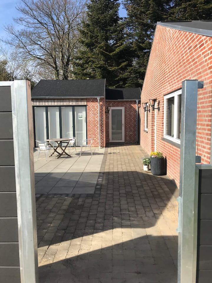 Kunstnerens hus / Artists house   Ferielejlighed.