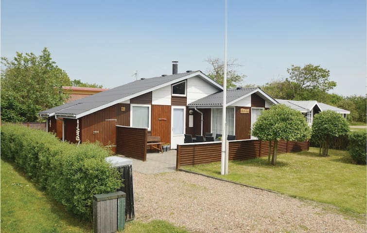 Holiday cottage with 2 bedrooms on 50m² in Hemmet